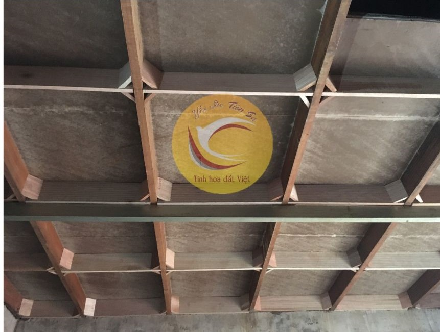 Quy trình lắp thanh ván gỗ nhà yến
