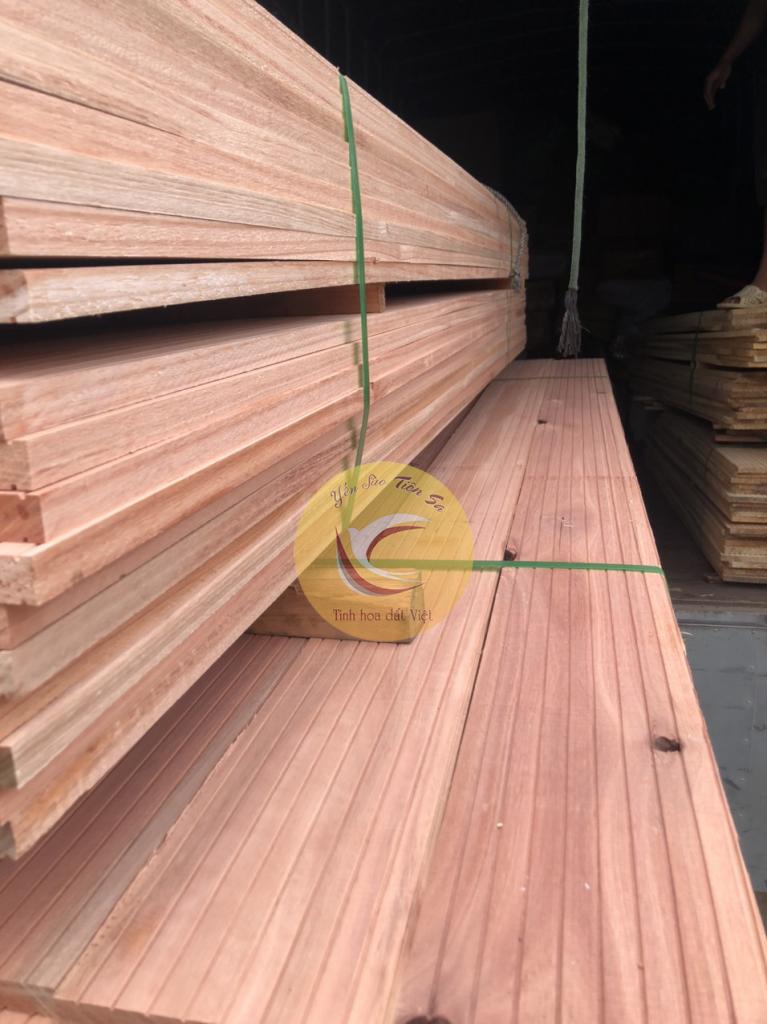 gỗ nhà yến granit
