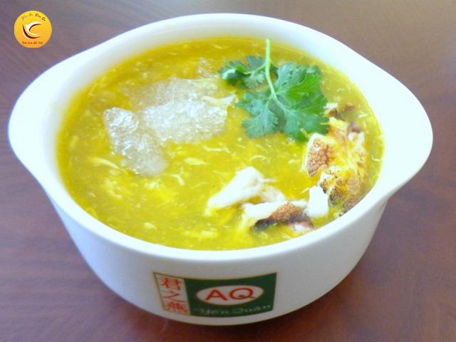 Món súp tổ yến, thịt cua và bí đỏ